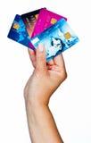 Main de femme avec des cartes de crédit Photographie stock