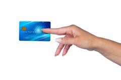 Main de femme avec la carte de crédit Images stock