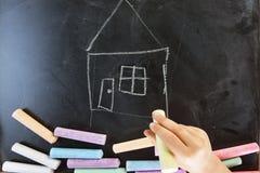 Main de l'écriture d'enfant Photos libres de droits