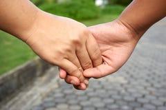 Main de prise de main photo libre de droits