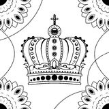 Main de schéma dessinant la couronne noire d'isolement sur le fond blanc Style de Dudling Tatoo Zenart Coloration pour des adulte Photos stock