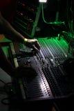 Main de soundman Photographie stock libre de droits