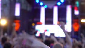 Main de téléphone de concert de foule clips vidéos