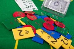 Main de vingt-et-un sur la table verte Photographie stock libre de droits
