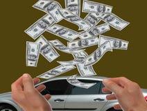 Main donnant une broche de retenue d'argent Photographie stock libre de droits