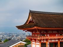Free Main Gate Of Kiyomizu-dera Temple With Brown Roof And Red Wooden Base In Kyoto Stock Photography - 167090202