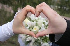 Main mariée photographie stock libre de droits