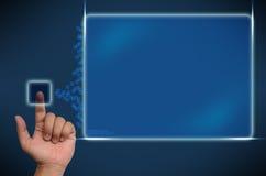 Main poussant sur une surface adjacente d'écran tactile Photos stock
