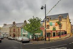 Main Street Ardara Ståndsmässiga Donegal ireland royaltyfri fotografi