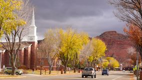 Main Street del centro Autumn Season Kanab Utah archivi video