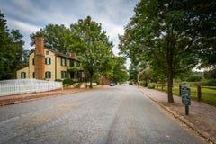 Main Street em Salem Historic District idoso, em Winston-Salem Foto de Stock Royalty Free