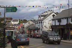 Main Street i Dungloe arkivfoto
