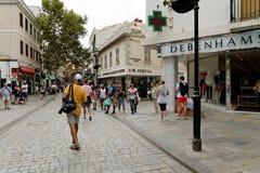 Main Street, la rue artérielle principale dans le territoire d'outre-mer britannique du Gibraltar photo libre de droits