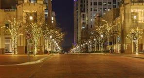 Main Street till och med den Reston stadmitten Virginia Fotografering för Bildbyråer