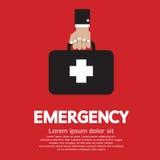 Main tenant la boîte de premiers secours Images stock