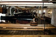 Maindeck大炮HMS战士 免版税图库摄影