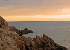 Maine-Seeküste an der Dämmerung stockbild