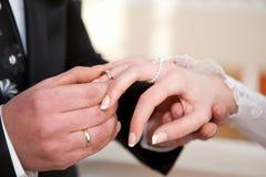 Mains avec des boucles Photo libre de droits
