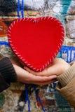 Mains ce coeur de la participation une Photos libres de droits