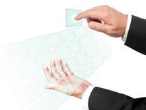 Mains d'affaires poussant le bouton Photos libres de droits