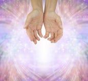 Mains d'un guérisseur humble Photos libres de droits