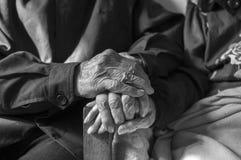 Mains dans des mains Images libres de droits