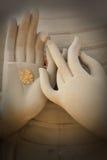 mains de Bouddha photo stock