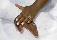 Mains de jour du mariage Image libre de droits