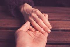 Mains de la participation de l'amant photo libre de droits