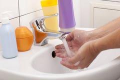 Mains de lavage Image libre de droits