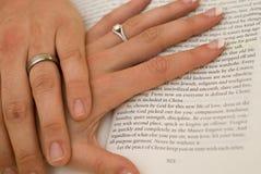 Mains de mariage Photos stock