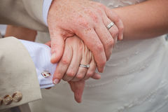 Mains de mariage Photographie stock