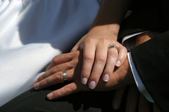 Mains de mariage image stock