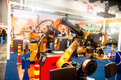 Mains de robot industriel Photographie stock