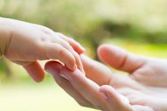 Mains de soin Photographie stock libre de droits