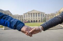 Mains des amants Image libre de droits