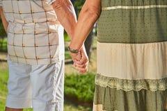 Mains des couples supérieurs Photo libre de droits