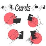 Mains humaines jouant avec des cartes illustration de vecteur