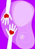 Mains partageant la carte de voeux d'amour Image libre de droits