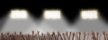 Mains sur le concert de rock images libres de droits