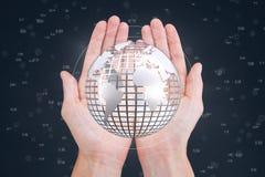 Mains tenant un globe avec des connecteurs Photo libre de droits