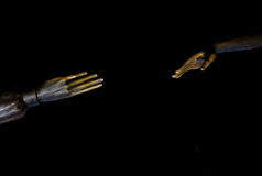 Mains tendues de statue Images libres de droits