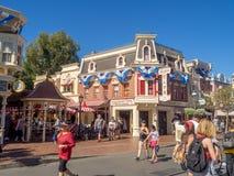 Mainstreet los E.E.U.U. en el parque de Disneyland Imagen de archivo libre de regalías