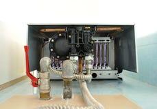 Maintenance de maison de chaudière de gaz Images libres de droits