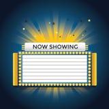 Maintenant représentation du rétro enseigne au néon de cinéma Image stock