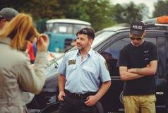 Maintenez l'ordre les personnes de train à la sécurité et les premiers secours dans le cadre du jour de sécurité à Kiev Images libres de droits