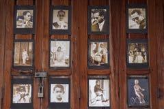 maio 4,2017 Rayong tailândia Muitas de imagens do sepia sobre o rei Rama IX igualmente conhecido como seu rei Bhumibol da majesta Fotos de Stock