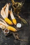 Mais auf Pfeilern lizenzfreies stockfoto