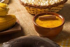 Mais Curau - typisches Lebensmittel des Grünkerns - geschmackvoll und billig - typi stockfotos