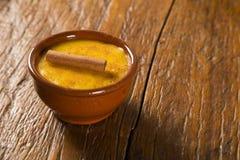Mais Curau - typisches Lebensmittel des Grünkerns - geschmackvoll und billig - typi stockfotografie